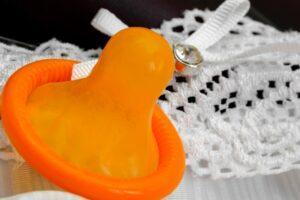 Безопасный секс и презервативы как профилактика ВИЧ
